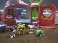 Littlest Pet Shop Get Well Soon Bundle inc. Vet, Hospital and bird nest with 4 birds!