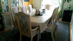 Real wood Dining Table Set 8 seat dinning table and Display Case