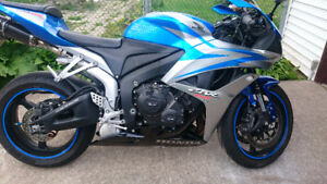2007 Honda CBR600RR,  great price and low kms