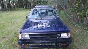 1992 Mazda B2600i easy project truck.