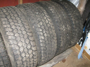 Tires like new 50 $ each , and tires used .. 25 $ each ..