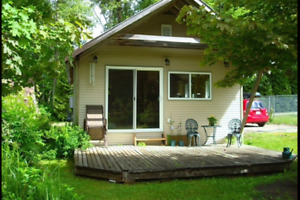 Guest Cottage on Lakefront Residence