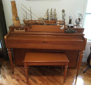 Piano. Cable Nelson