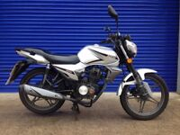 2015 KEEWAY RK 125 NAKED SPORTS 125CC HPI CLEAR ,VERY LOW MILES ,STUNNING CONDITION