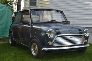 1991 Rover Austin Mini in good running shape for the year