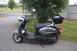 Yamaha Vino 125cc Scooter