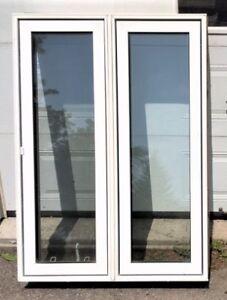 1 Fenêtre à battant 38''1/2 x 53''7/8 à vendre