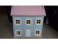 Wooden dolls house - reduced