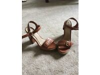 Women's brown size 6 heeled sandals with buckle