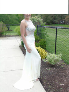 Formal / prom / grad / wedding long dress - Ivory size 6