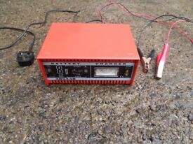 Absaar BBL1269 6v / 12v Car Battery Charger