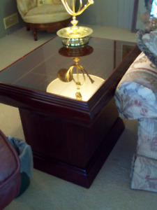 Cherry Burg.Stained Hi-End Wood End Table
