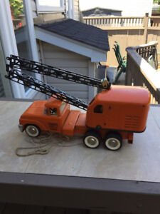 Vintage Structo Mobile Crane 3 Day Auction.FREE SHIPPING IN ONT!