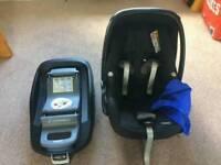 Maxi Cosi Pebble Car Seat & Family Fix Iso-fix Base