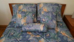 2 ensembles couvre lit, 50$ chacun