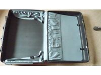 SAMSONITE black hard robust strong case quality suitcase, organiser sections, 4 wheels + pulley