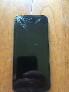 iPhone 5s 16 gig screen cracked