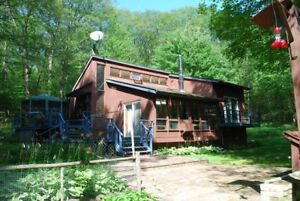 Beautiful Wolfe Lake Cottage on 24 Acres