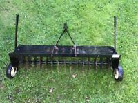 Lawn spiker / aerator