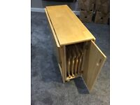Dining table with 4 chairs - foldaway