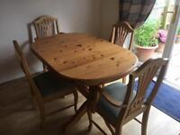 Solid Pine extendable table with 4 chairs expensive set, great condition