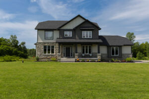 Gorgeous 3 Bed Family Home, 2 Acres, Open Concept