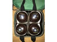 Set of 4 Hemselite flat green bowls in case