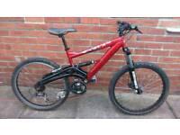 """Adults Saracen Scarab mountain bike, marzocchi suspension, 24 speed, 17""""Alloy frame, Disc brake,"""