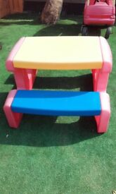 Reduce!!Little tikes picknic bench