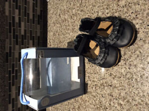 Brand new 6-12mth Robeez Shoes - sold ppu