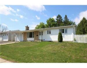 Beautiful 3+2 bedroom bungalow at Viewmount for a family