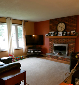 3 bdrm close to schools, college, university and hospital