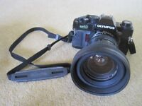 Olympus 35mm OM40 Film Camera Flash & cable release W/Angle Lens T/Photo Lens Doubler Lens Hoods x2