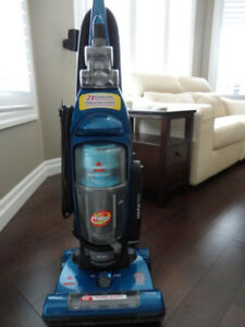 "Bissell Bag Less15"" -12Amp Upright Vacuum in great shape & Clean"