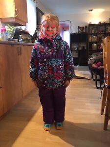 Habit d'hiver size 4-5 winter snow suit
