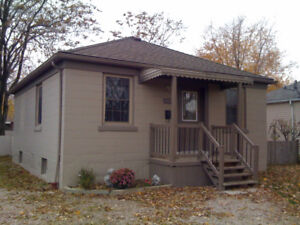 Longterm tenant for cute 2 bedroom home