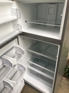Fridgidaire Stainless fridge/ freezer