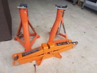 Axle stands and scissor jack