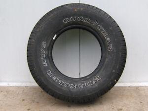 1 pneu d'été 235/75/15