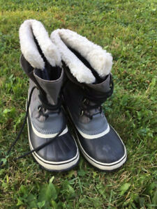 Sorel Waterproof boots - good condition