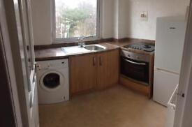 1 bed flat dykebar area Paisley. Available now