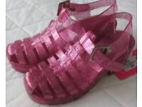 Pink sandals size 3-4 womens