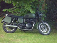 Triumph Bonneville 790 carb model