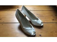 Ivory and silk peeptoe size 7 wedding shoes