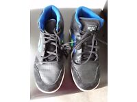 Boys Nike High top trainers size 6