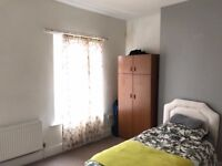 ROOM AVAILABLE TO RENT IN POPULAR AREA OF RUSHOLME MANCHESTER