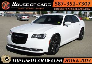 2016 Chrysler 300 S / Back up Camera / Bluetooth