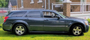 2007 Dodge Magnum SXT Wagon FOR SALE FOR $1500. AS IS