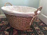 Woven wash basket