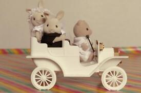 Sylvanian Families - Wedding car with bride and groom